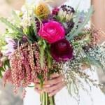 Растрепанный букет невесты – новое ноу-хау в свадебном мире